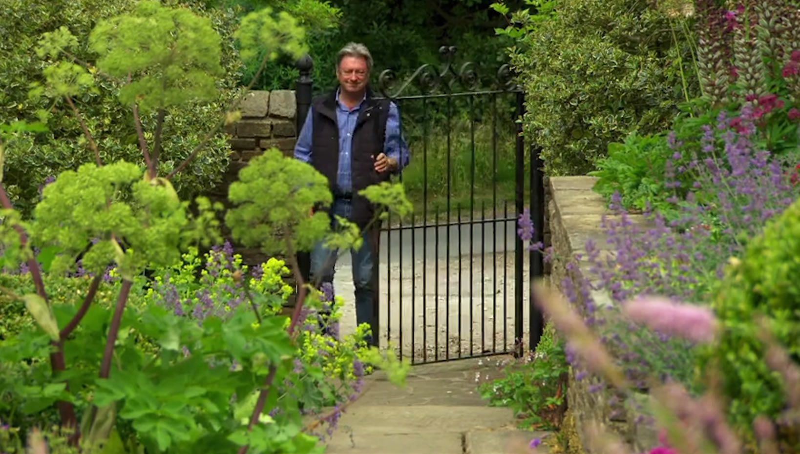 Alan Titchmarsh Visits The Yorkshire Dales Flower Company's Garden